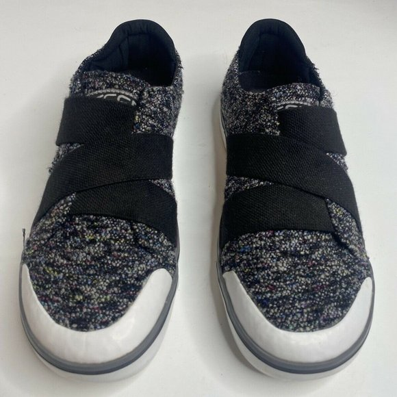 Keen Womens Elsa lll Gore Black Shoes 8